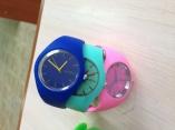 часы наручные с силиконовым браслетом